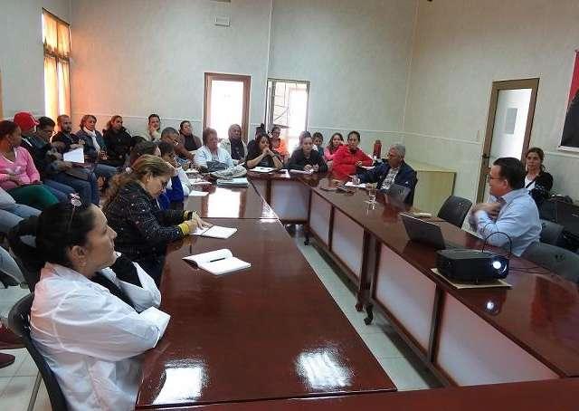Académico titular de la Academia de Ciencias de Cuba imparte conferencia magistral en CEAC en el marco del proyecto IWEco.cuba